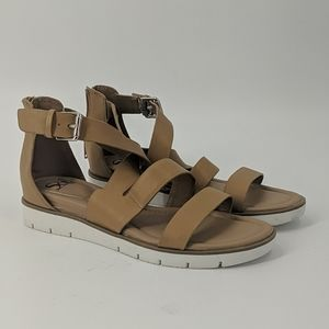 NWT SOFFT Strappy Flat Sandals